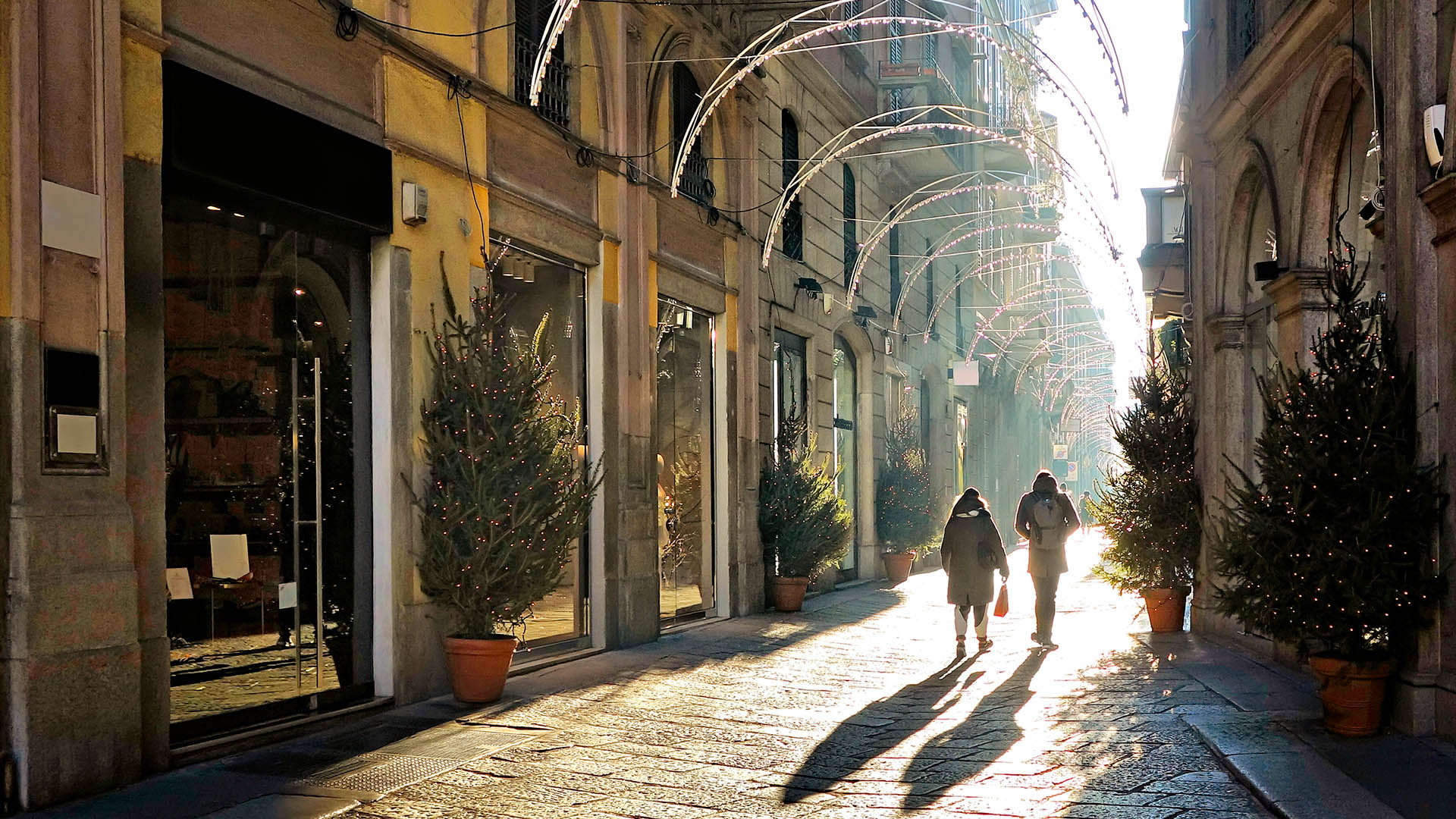 Milan Fashion The Best Shopping Guide Alitalia Discover Italy