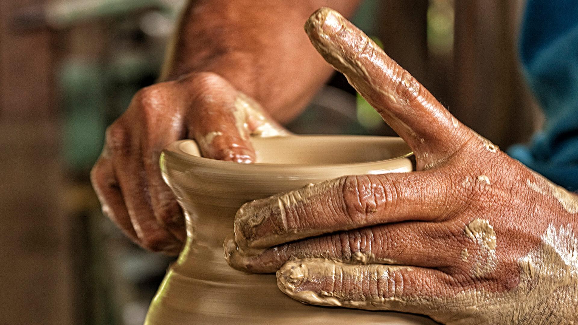 Ceramiche di faenza storia botteghe artigianali e souvenir